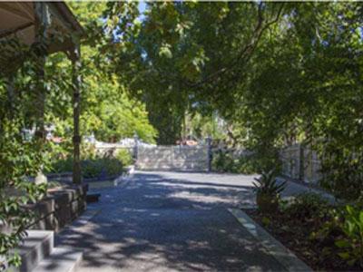 Beddison Garden Designs Front Gate